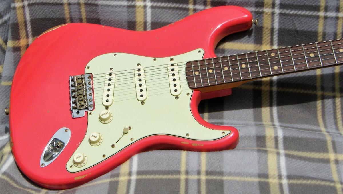 5393 Fender Custom Shop 1960 Relic Strat Aged Fiesta Red